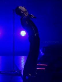 Dave Gahan Arms Open Depeche Mode Global Spirit Tour Rogers Place Edmonton Oct 27 2017