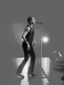 Dave Gahan B&W Etheral Depeche Mode Global Spirit Tour Rogers Place Edmonton Oct 27 2017.jpg