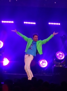 Simon Le Bon being Rock God Glorious - Duran Duran Paper Gods Tour Edmonton July 10, 2017