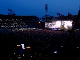 Running to Stand Still Audience U2 Brussels Aug 1 2017