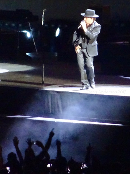 Shadowman Sass with Audience U2 Brussels Aug 1 2017
