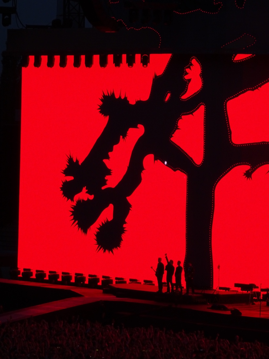Streets Silhouette U2 Brussels Aug 1 2017