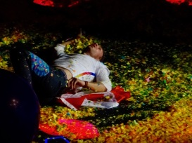 Chris Martin Rolling in Confetti 2 Coldplay Rogers Place Edmonton September 27, 2017