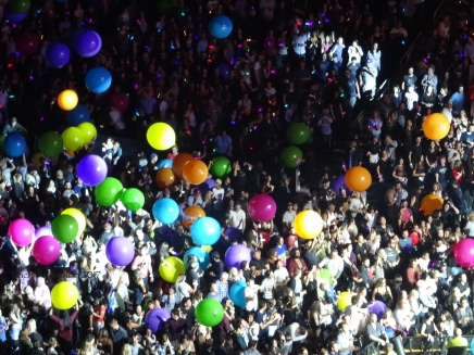 Coldplay Audience Beach Balls Rogers Place Edmonton September 27, 2017