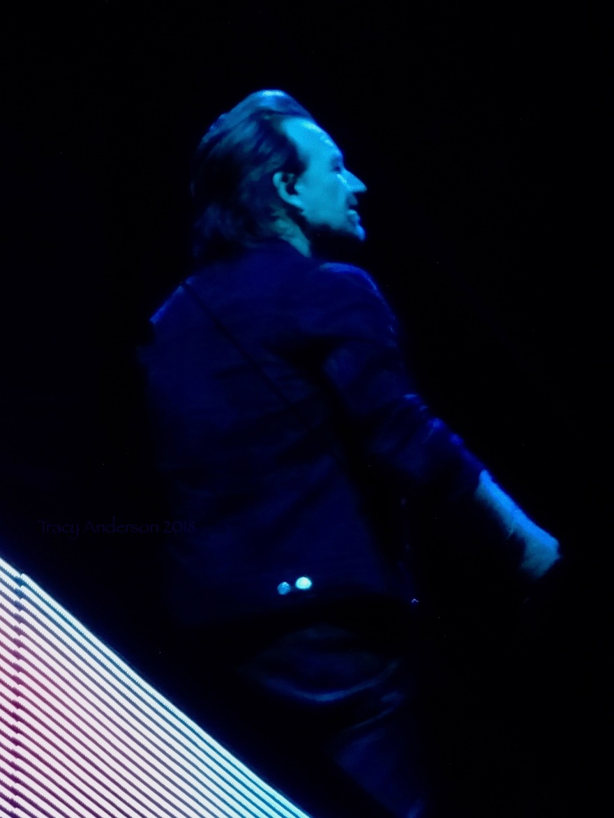 Bono sans glasses U2 eiTour Las Vegas May 11 2018