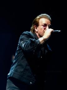 Bono leaning U2 eiTour Las Vegas May 11 2018