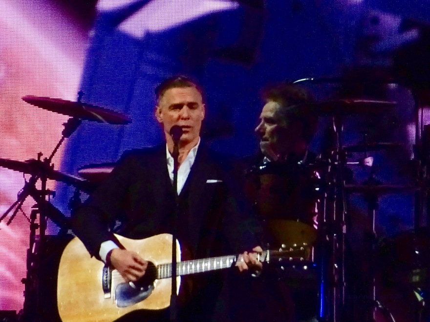 Bryan Adams Close Up The Ultimate Tour Edmonton Rogers Place June 8 2018