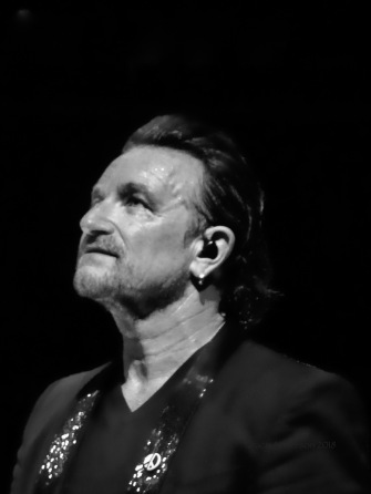Bono B&W no glasses U2 eXPERIENCE & iNNOCENCE Tour MSG June 26 2018