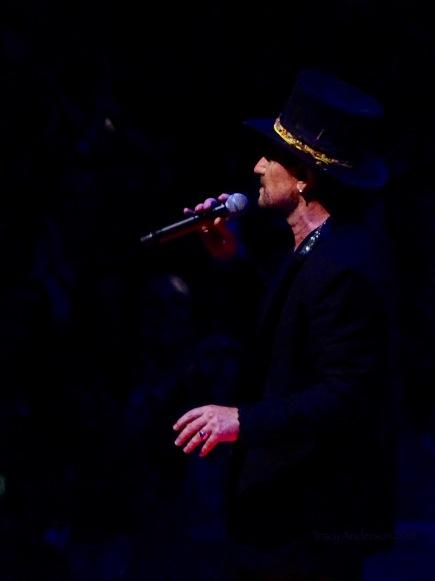 Bono Showman U2 eXPERIENCE & iNNOCENCE Tour NJ June 29 2018