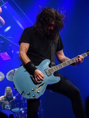 Dave Grohl Foo Fighters Concrete and Gold Tour Hair Blue Rogers Place Edmonton Oct 22 2018