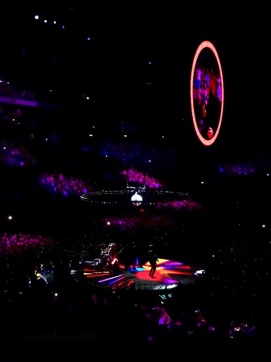 U2 Crowd Colours Berlin Mercedes Benz Arena Nov 13 2018