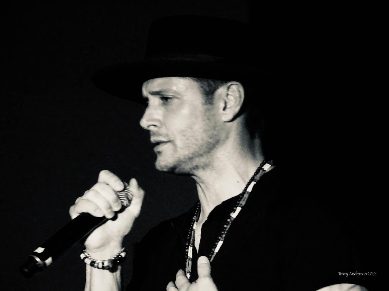 Jensen Ackles singing with Louden Swain SPNVan Con Aug 23-25 2019