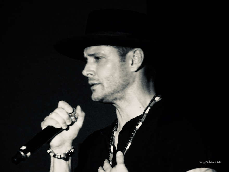 Jensen Ackles singing with Louden Swain SPNVan Con Aug 23-25 2019