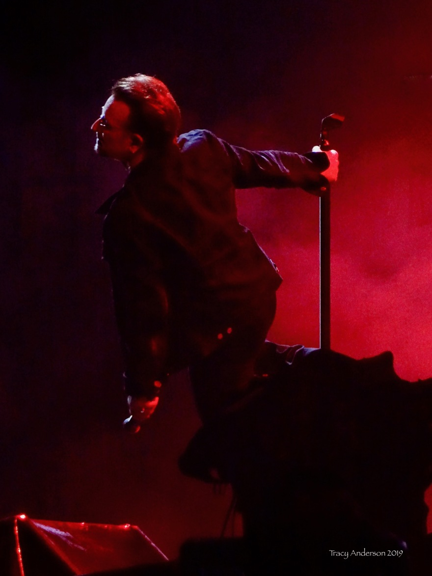 bono red 2 U2 The Joshua Tree Tour Sydney Nov 22 2019